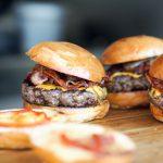 Przepis na pieczone burgery z indyka z warzywami